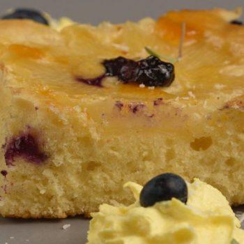 Ananásovo-čučoriedkový koláč