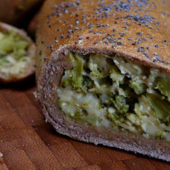 Brokolicová roláda s tofu