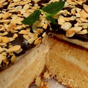 Kokosovo-mandľová torta