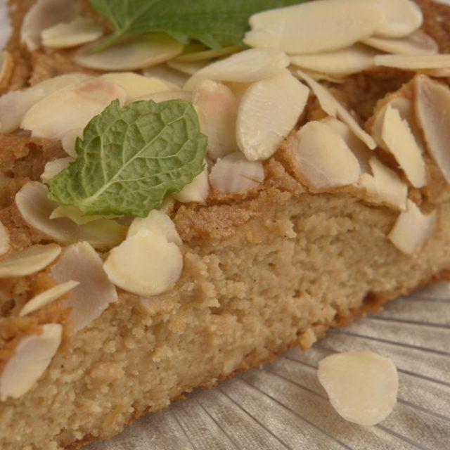 Mandľový koláč s riccotou a citrónovou kôrou