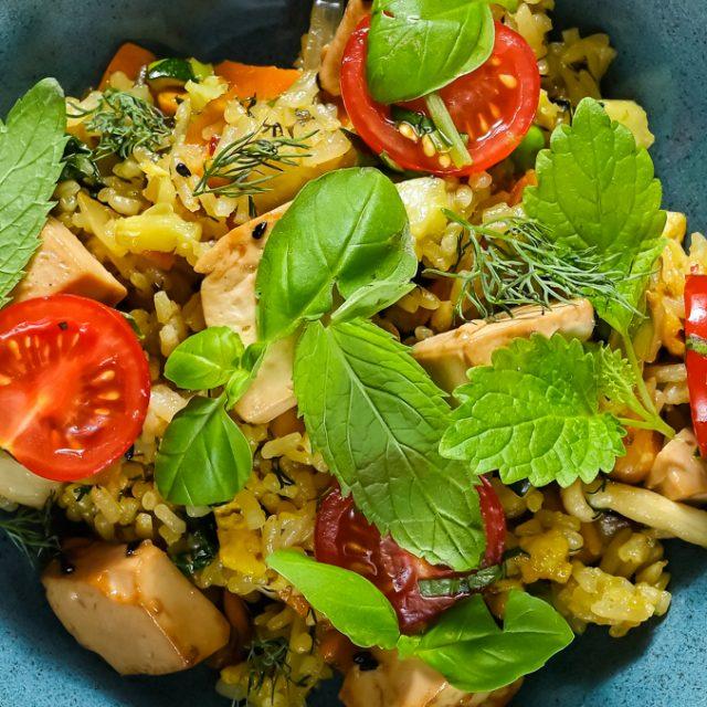 Pečená veggi ryža s tofu
